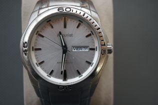 Gents Accurist Wristwatch (Currently Ticking)