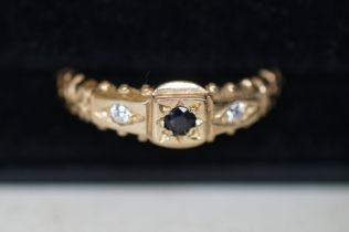 9ct gold ring set with sapphire