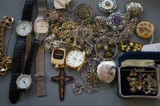 Collection of Costume Jewellery to include some Si