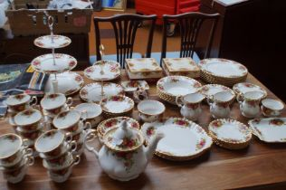 88 Piece Royal Albert Old Country Rose