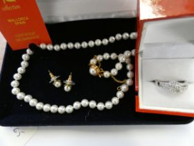 Pearl necklace & earring set together with silver