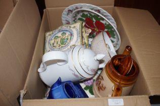 Mixed box of ceramics