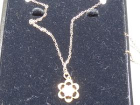 9ct Gold chain & pearl pendant