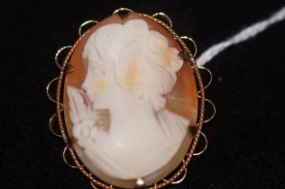 Rolled gold cameo brooch