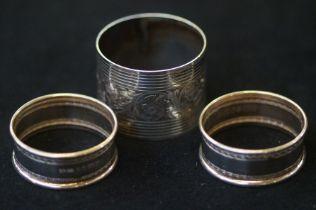 3x Silver napkin rings