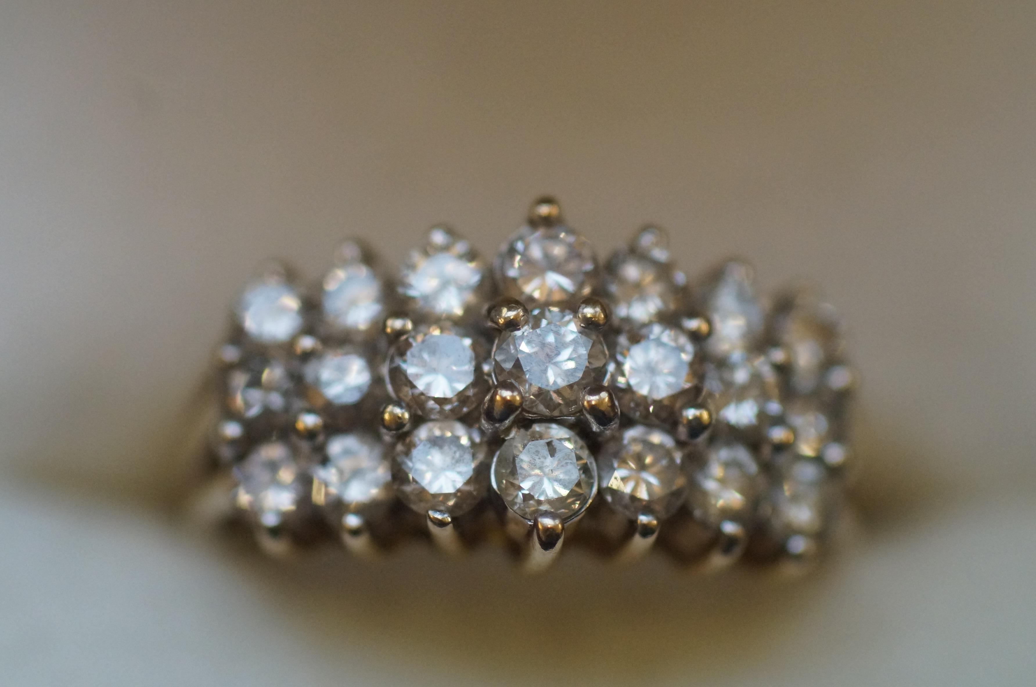 9ct Gold diamond ring, 1.5 carat (21 diamonds)