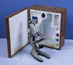 Tasco 200mm 50-1200 microscope complete kit in fitted wooden case