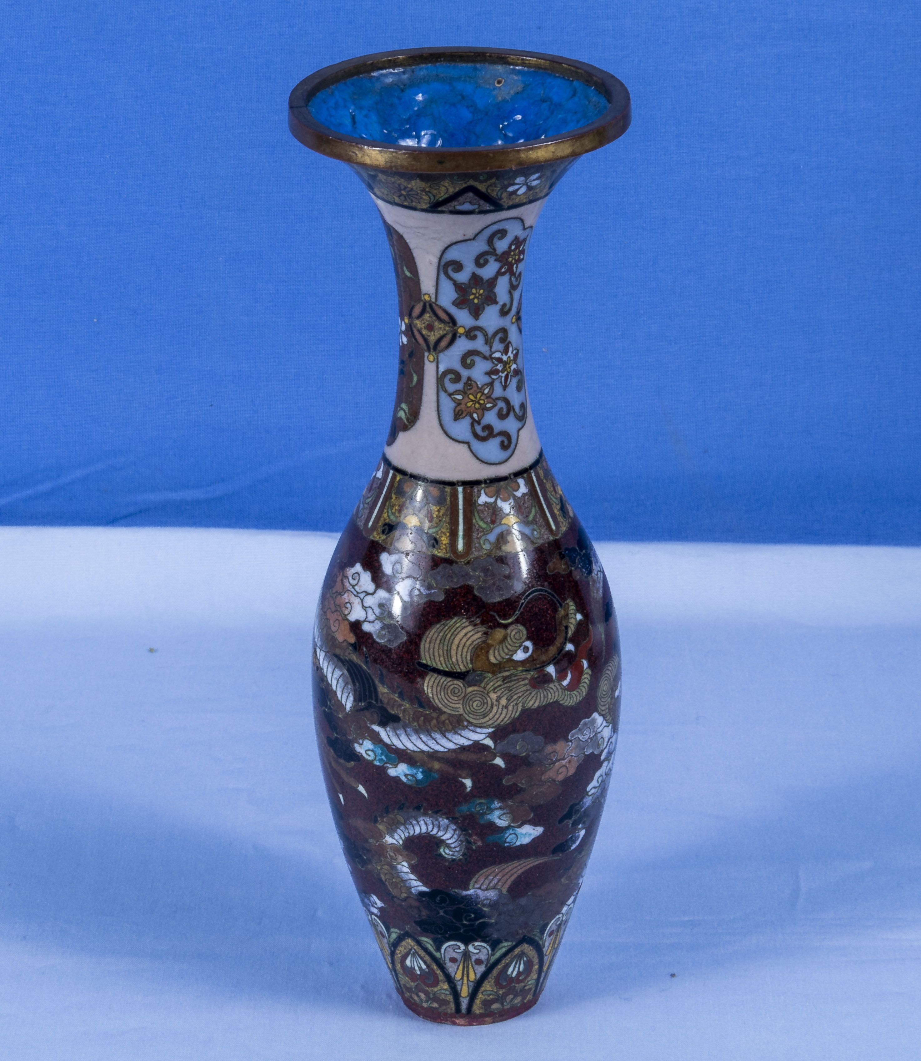A fine quality Japanese miniature cloisonne vase decorated with dragons