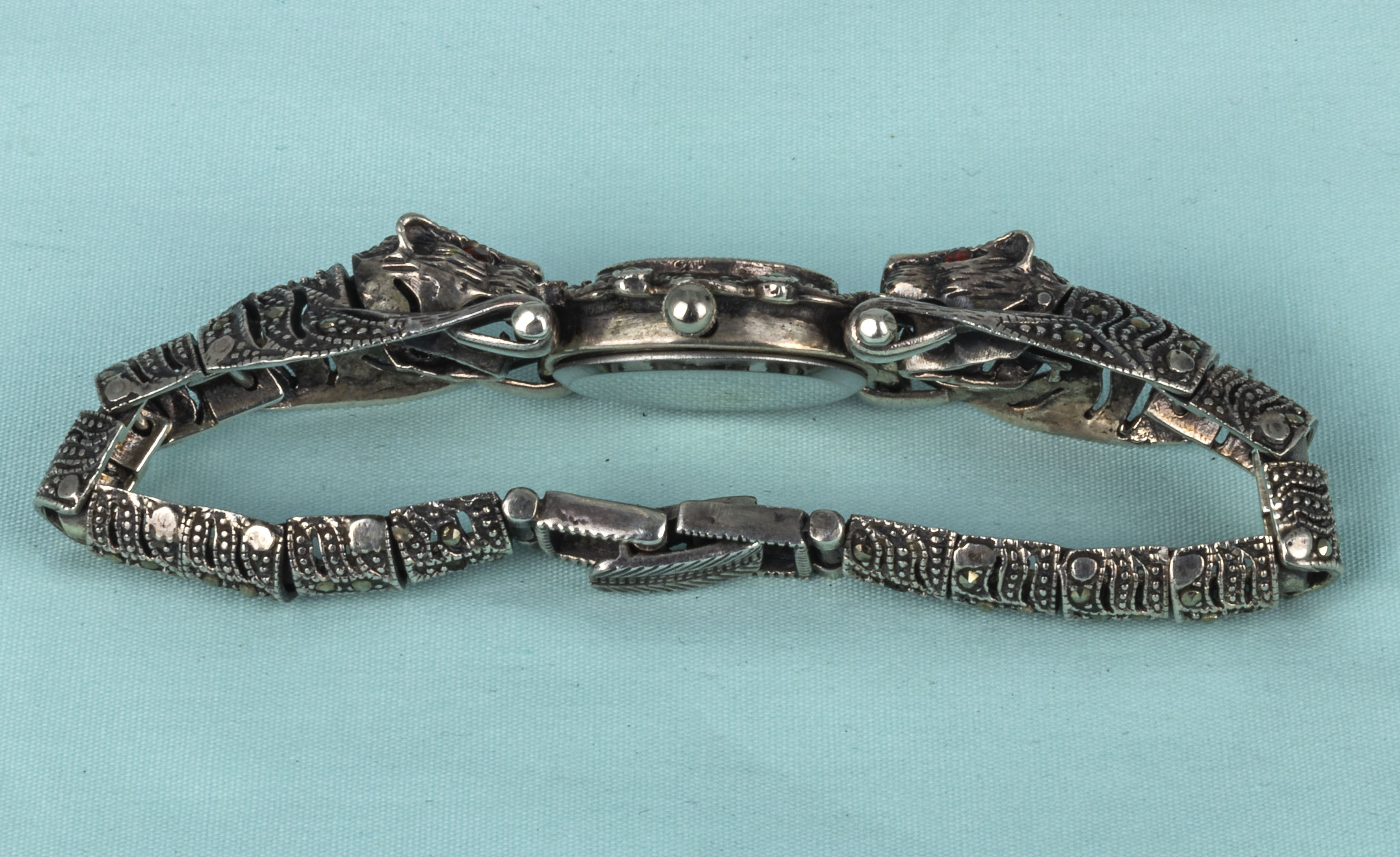 A lady's French marcasite and silver dress wristwatch with leopard shoulders - Image 4 of 4