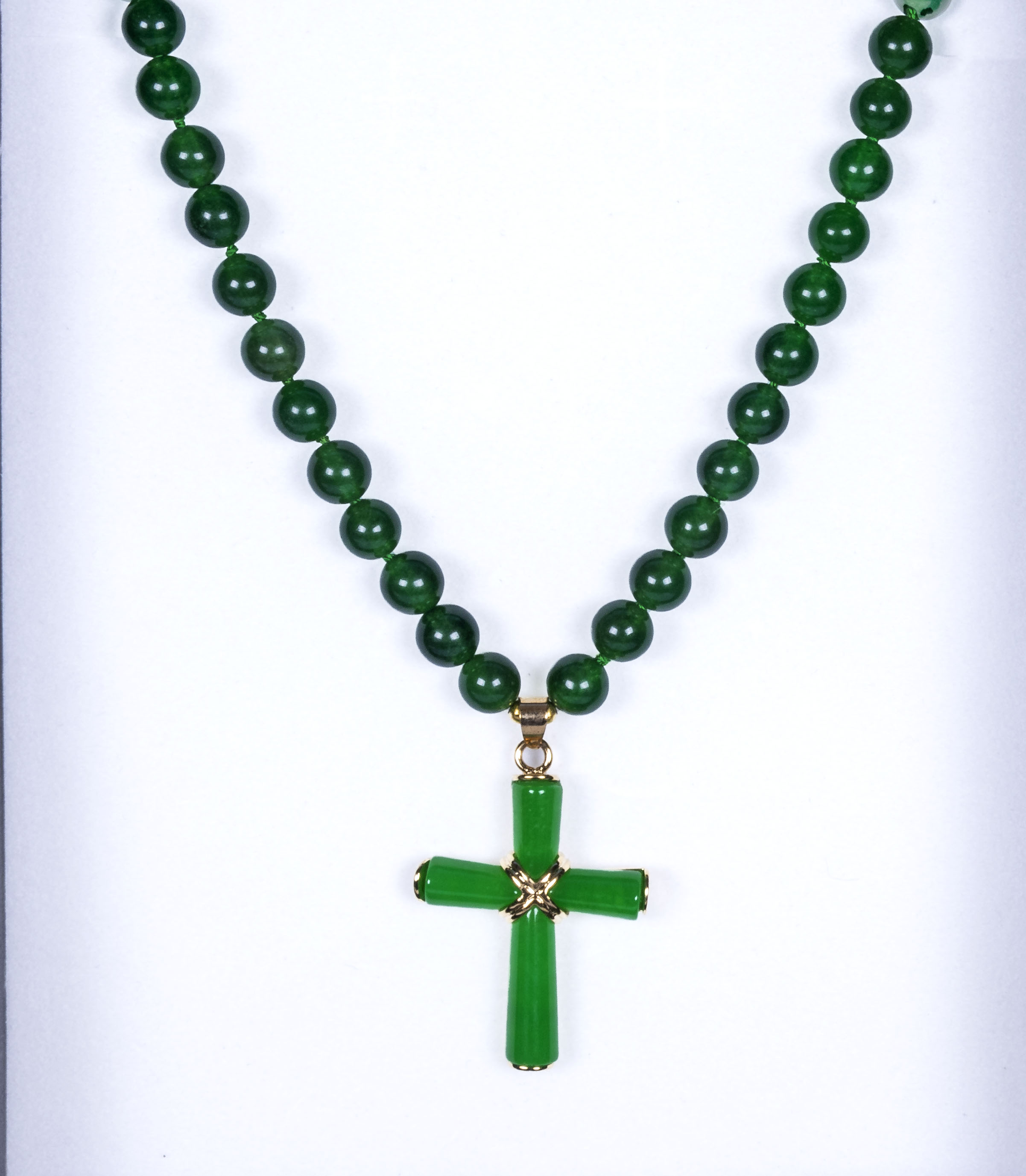 Green agate necklace with cross pendant
