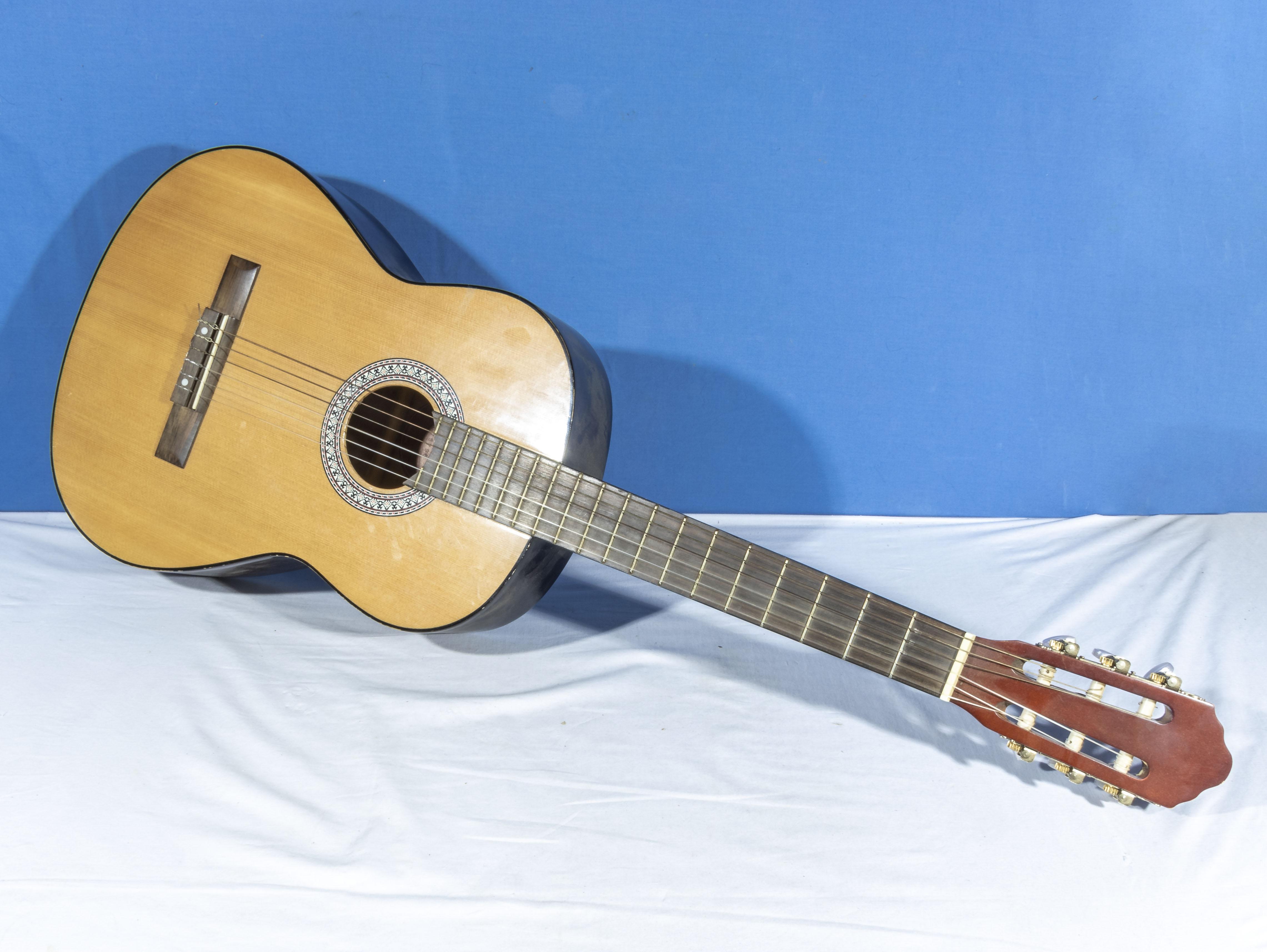 Hose Ferrer El Primo acoustic guitar 075796