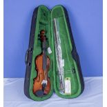 New Windsor 1/4 size violin and bow in fitted case