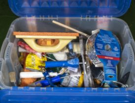 Box of assorted decorating items