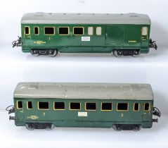 A French Hornby O gauge 1st class and baggage passenger coach and a 3rd class coach