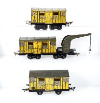 French JEP breakdown wagon and two box cars