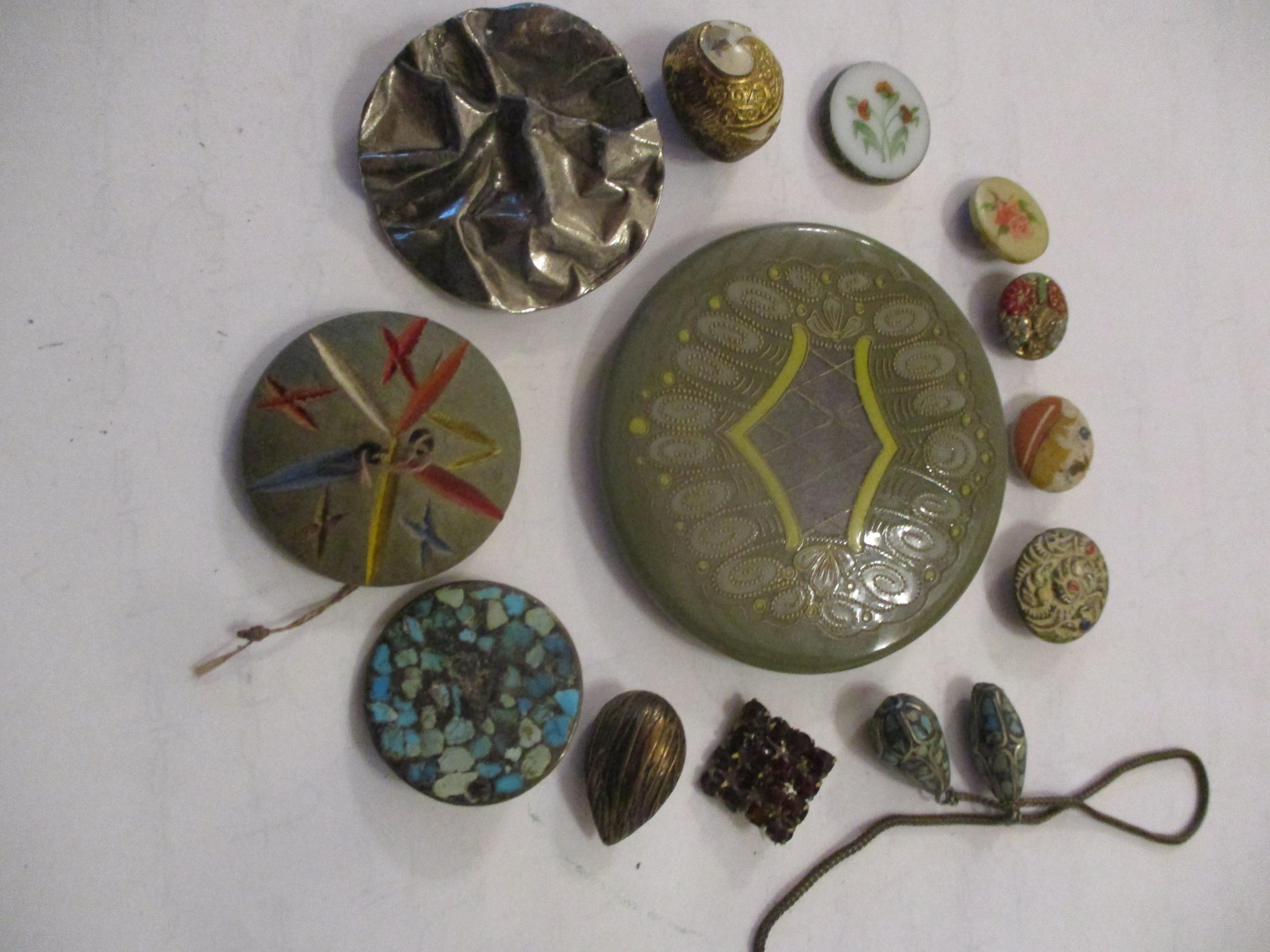 An interesting lot to include shoe buckles, silver coloured and white metal pendants, brooches, - Image 8 of 15