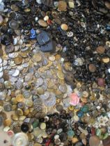 A large quantity of vintage buttons to include Victorian glass buttons and metal buttons