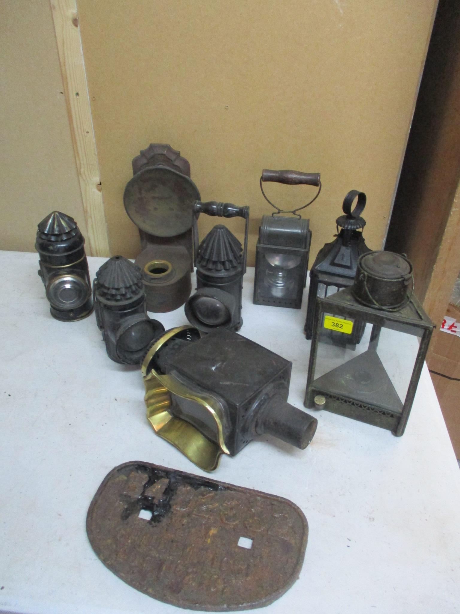 A group of 19th century and later lamps to include a Perko boat signal lamp by the Perkins Marine