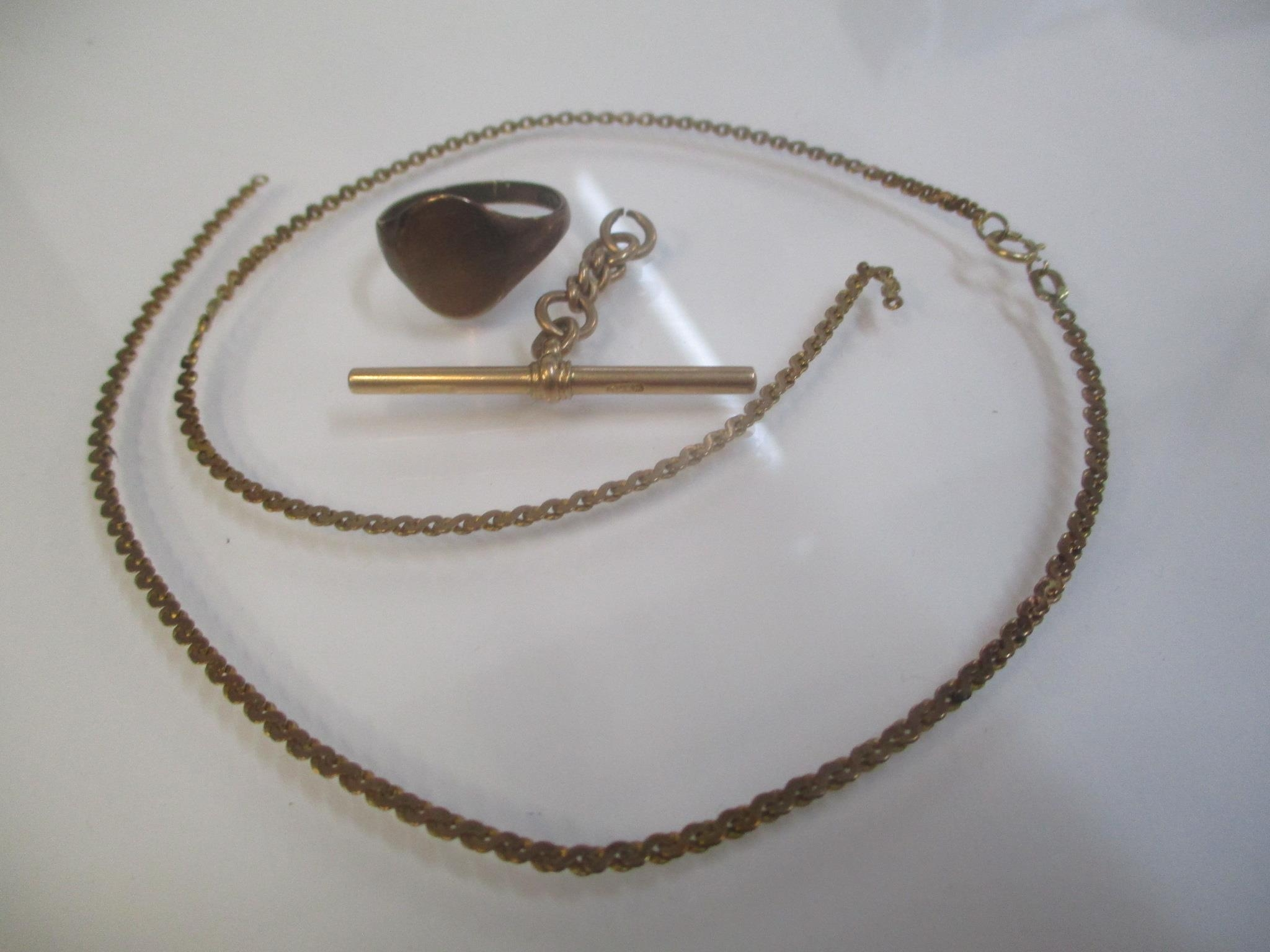 9ct gold to include a T bar, a signet ring and a necklace, 11.6g