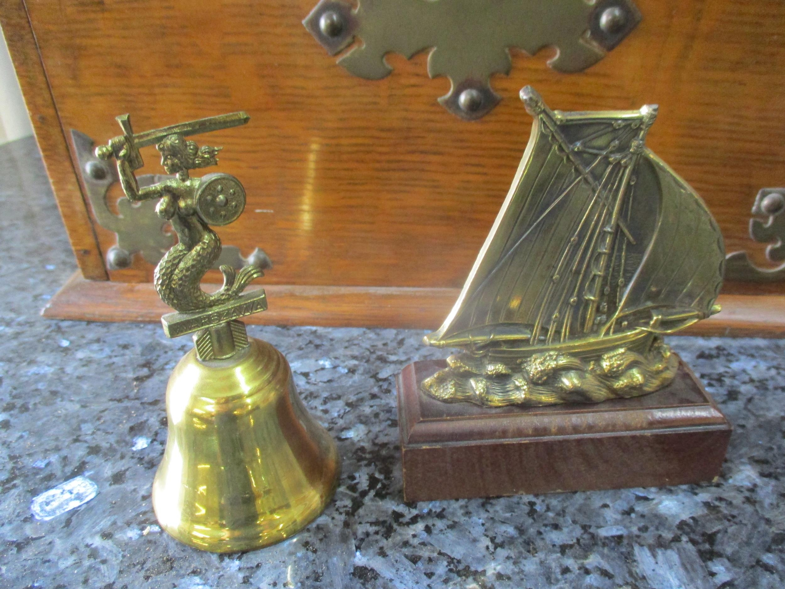 An early 20th century brass and copper coal bucket together with mixed brassware, a vintage part - Image 5 of 6