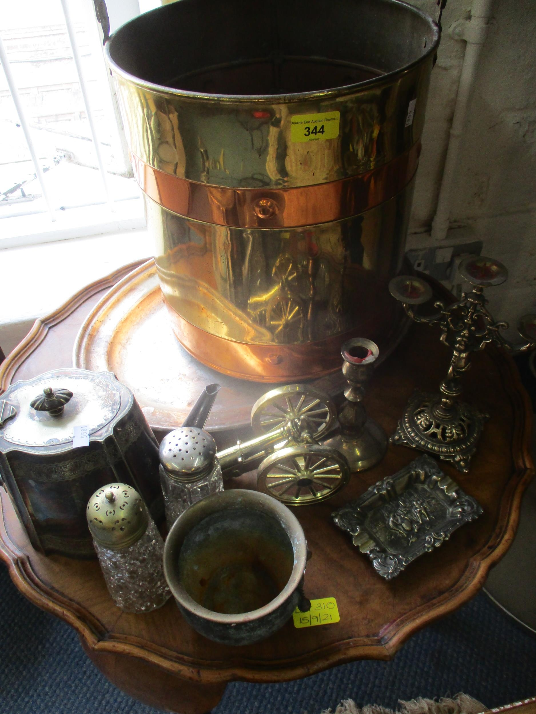 An early 20th century brass and copper coal bucket together with mixed brassware, a vintage part - Image 3 of 6