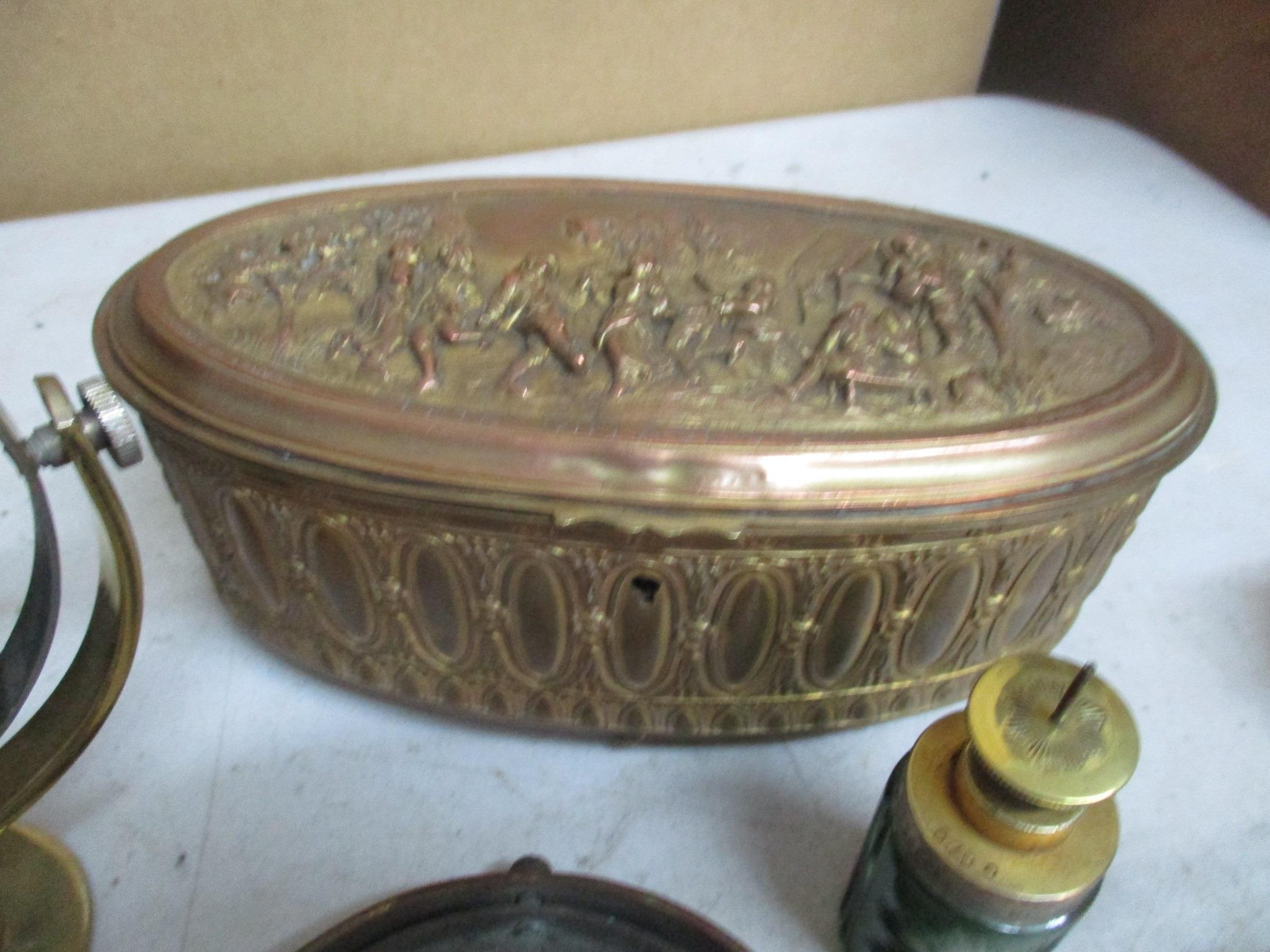 An interesting mixed lot o include a brass sundial, gilt metal and brass boxes and other items - Image 2 of 5