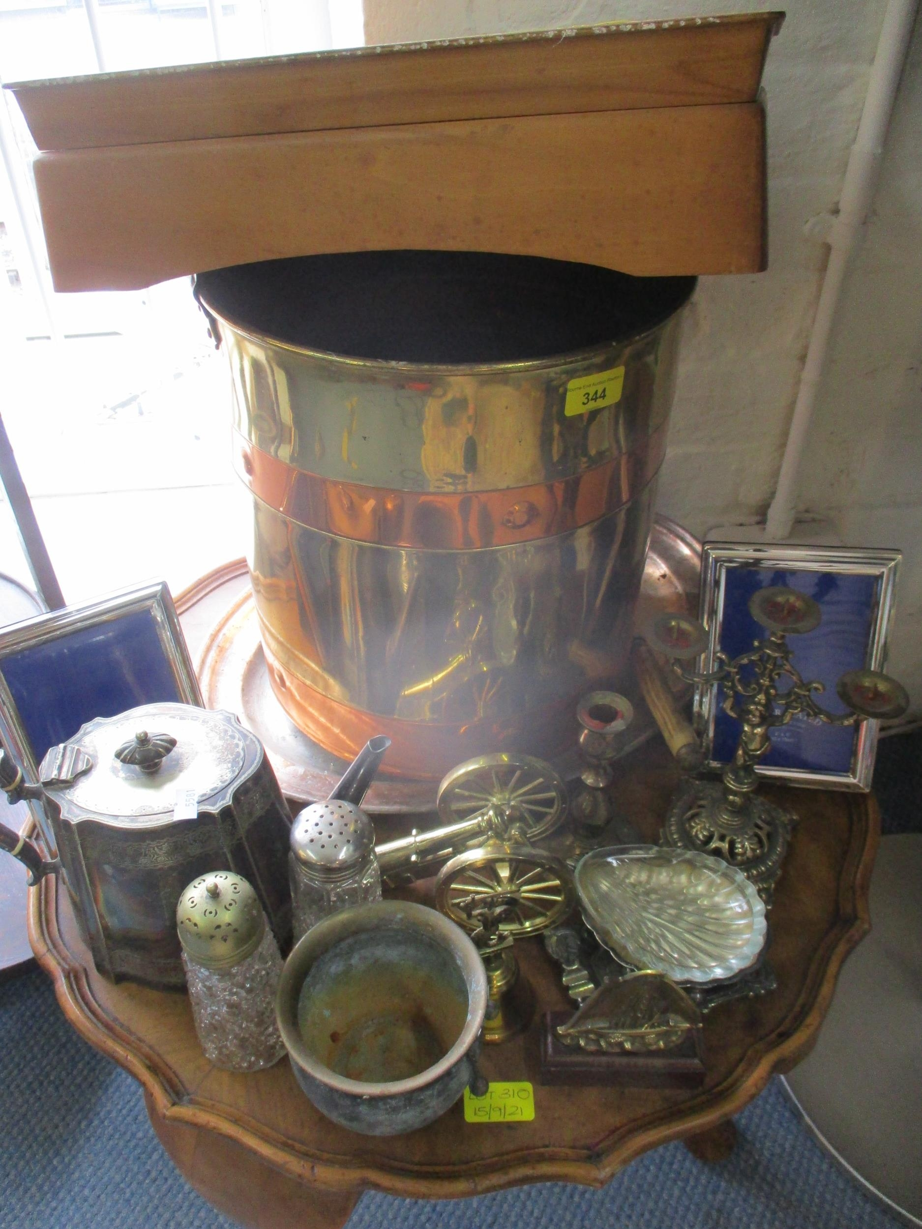 An early 20th century brass and copper coal bucket together with mixed brassware, a vintage part - Image 6 of 6