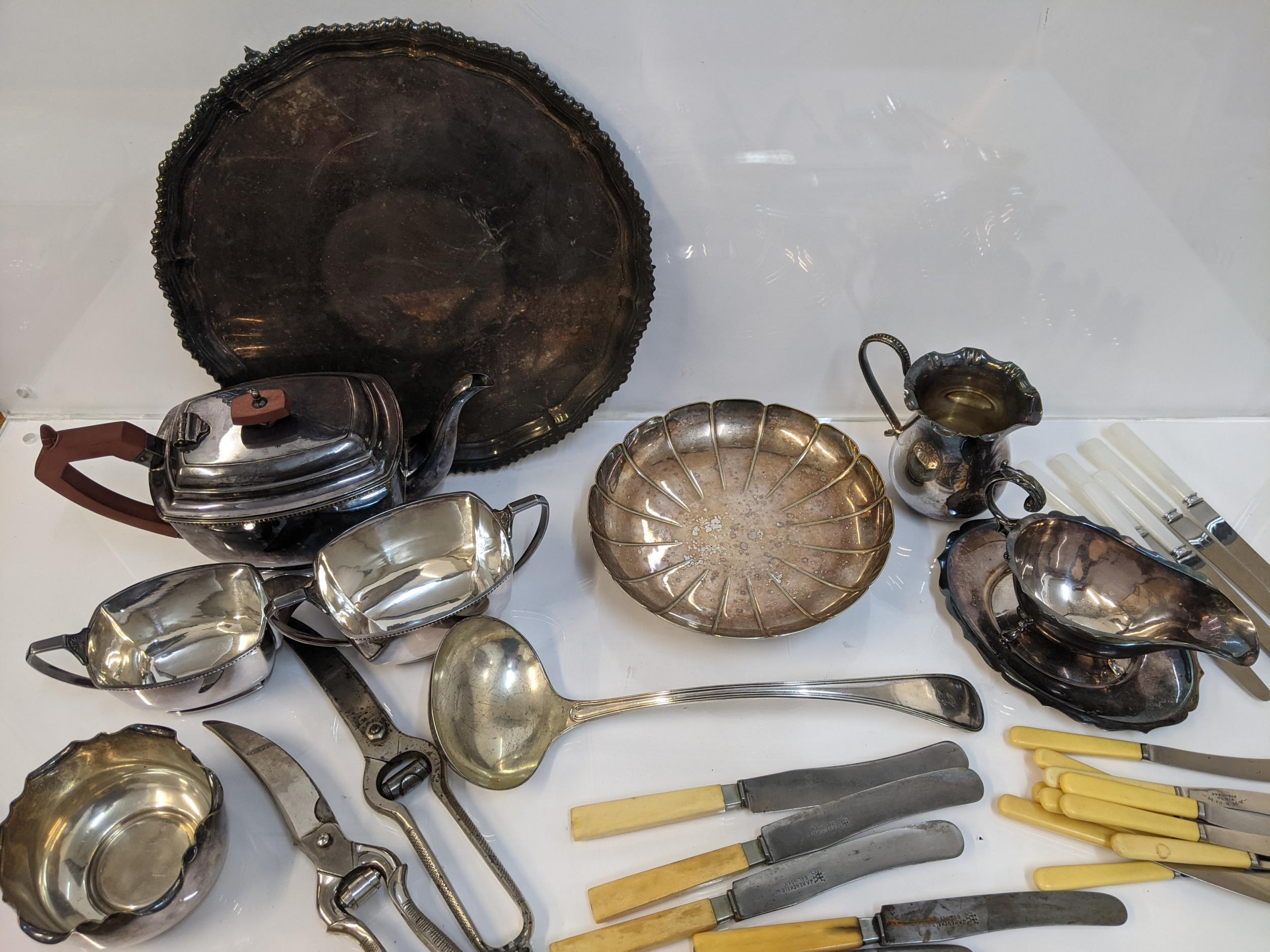 Silver plate to include a three piece tea set, sauce boats, flatware, knives and other items - Image 2 of 3