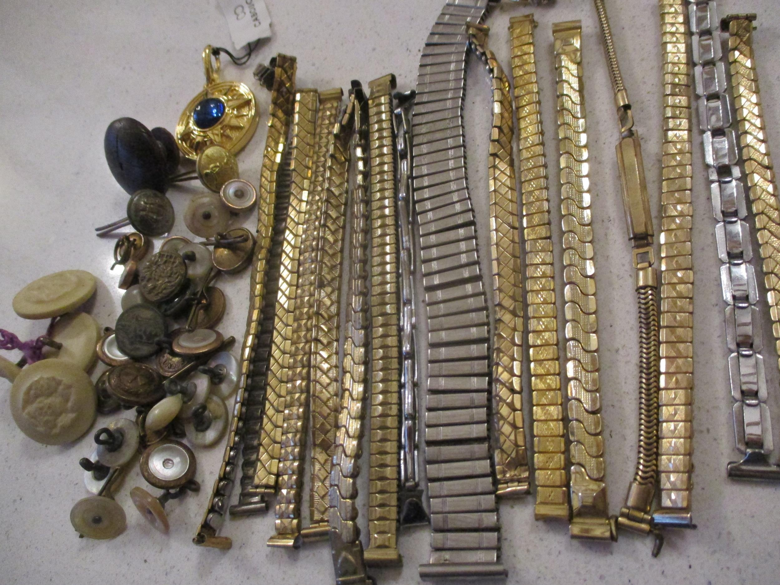 An interesting lot to include shoe buckles, silver coloured and white metal pendants, brooches, - Image 11 of 15