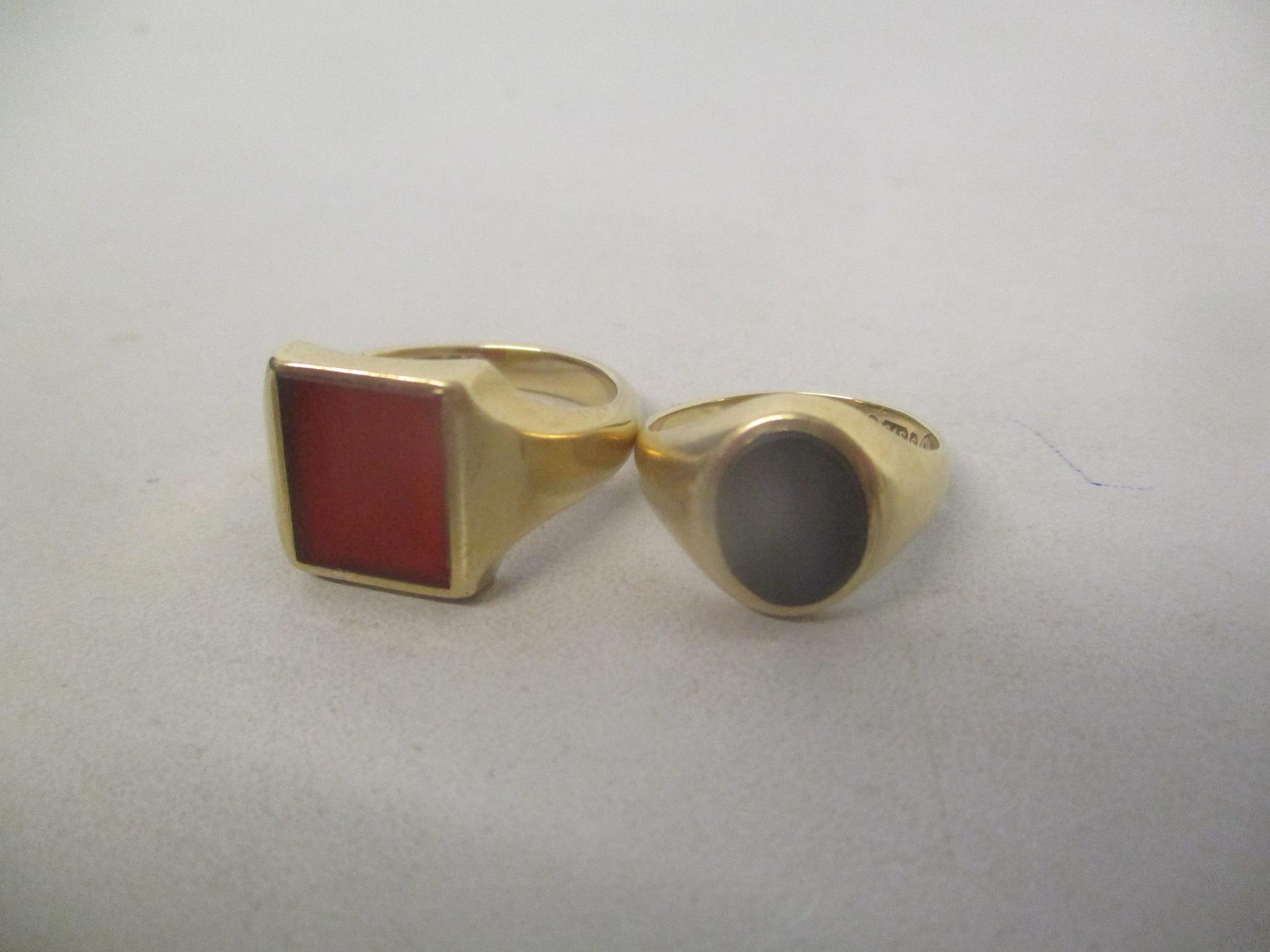 Two 9ct gold signet rings, 9.6g