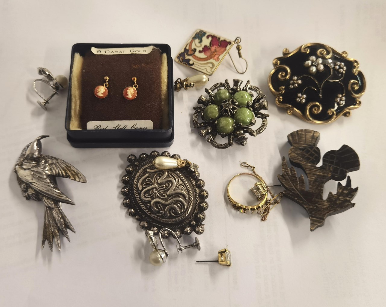 Mixed jewellery to include a yellow metal opal set ring A/F, a 19th century gold plated mourning