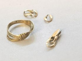 Miscellaneous 9ct gold items to include ring A/F and part links A/F, total weight 1.9g Location: Cab