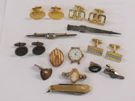 Miscellaneous items to include a 9ct gold backed locket, silver cufflinks, a yellow metal mounted