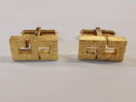 A pair of 14ct gold cuff links stamped 585, 13.6g Location: Cab