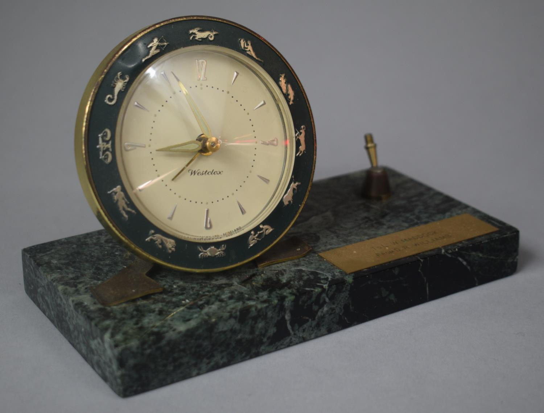 A Presentation Westclox Desktop Alarm Clock on Green Marble Base with Pen Rest (AF), 18cm wide - Image 2 of 2