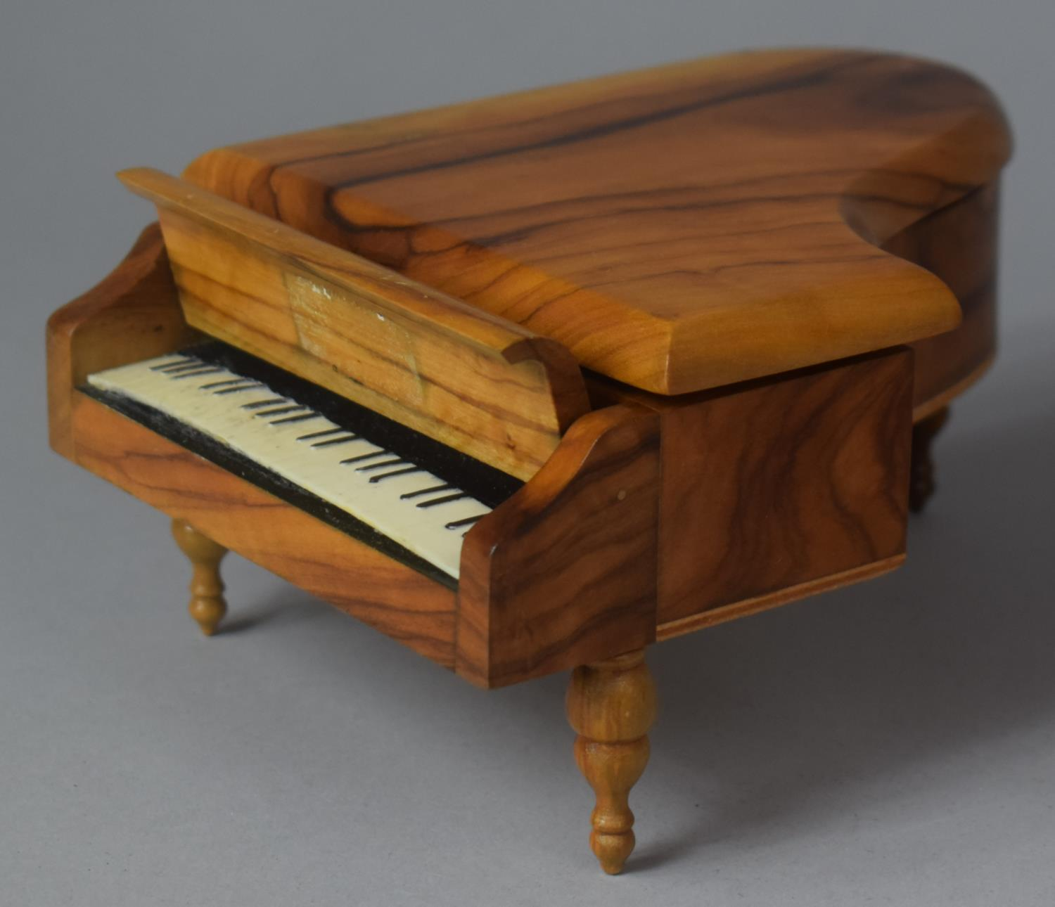 A Novelty Continental Musical Box in the Form of a Grand Piano, Movement Playing Dr. Zhivago, 17cm - Image 3 of 5