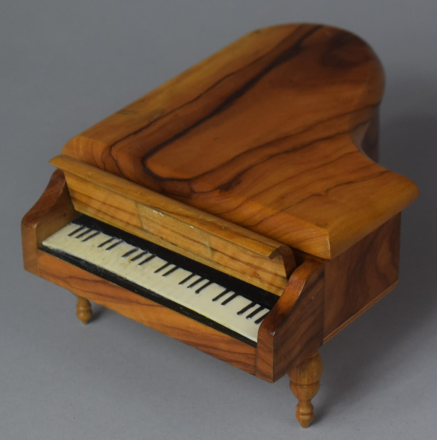 A Novelty Continental Musical Box in the Form of a Grand Piano, Movement Playing Dr. Zhivago, 17cm - Image 2 of 5