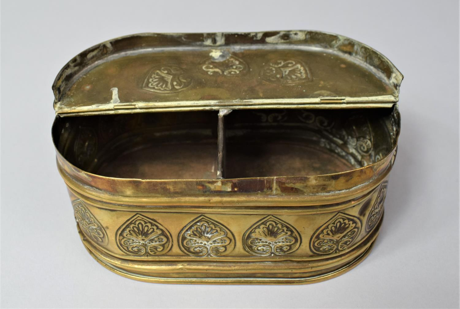 A 19th Century Dutch Brass Oval Two Division Tobacco Box with Hinged Lid, 15.5cm Long - Image 5 of 5