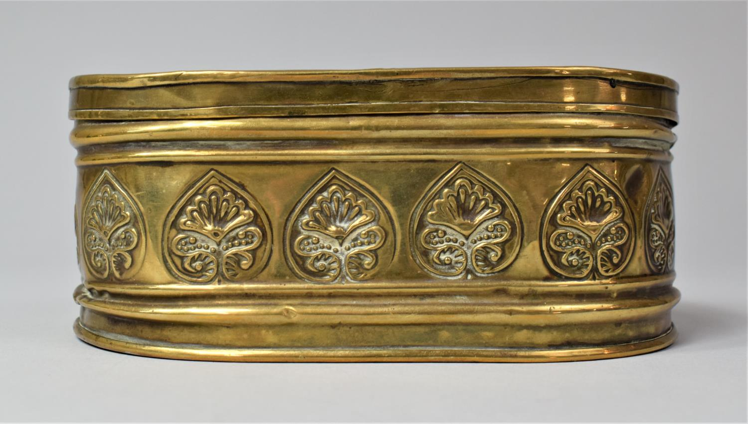 A 19th Century Dutch Brass Oval Two Division Tobacco Box with Hinged Lid, 15.5cm Long - Image 4 of 5