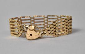 A 9ct Gold Gate Link Bracelet, 13.4gms, London Hallmark