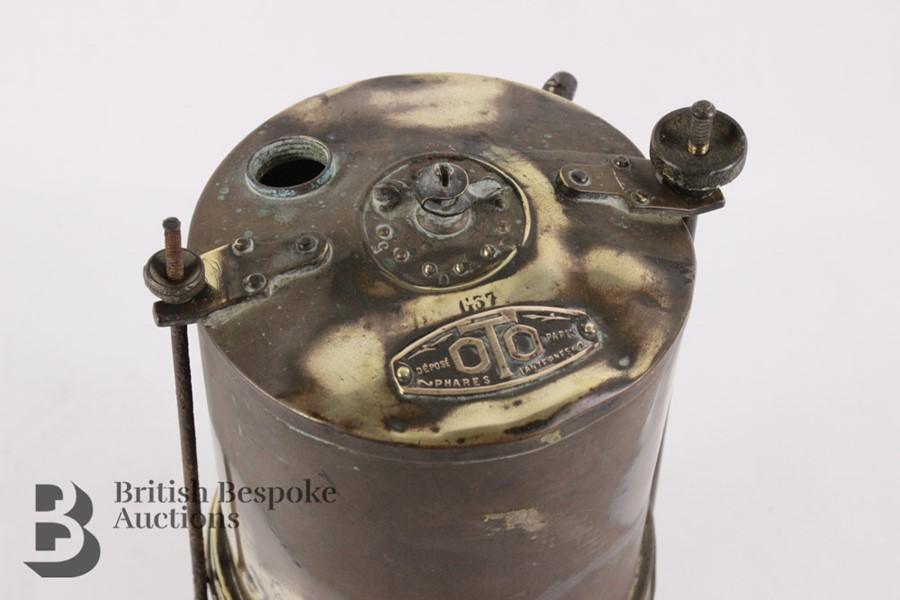 Rare Brass Running Board Mounted Acetylene Lamps Generator - Image 2 of 7