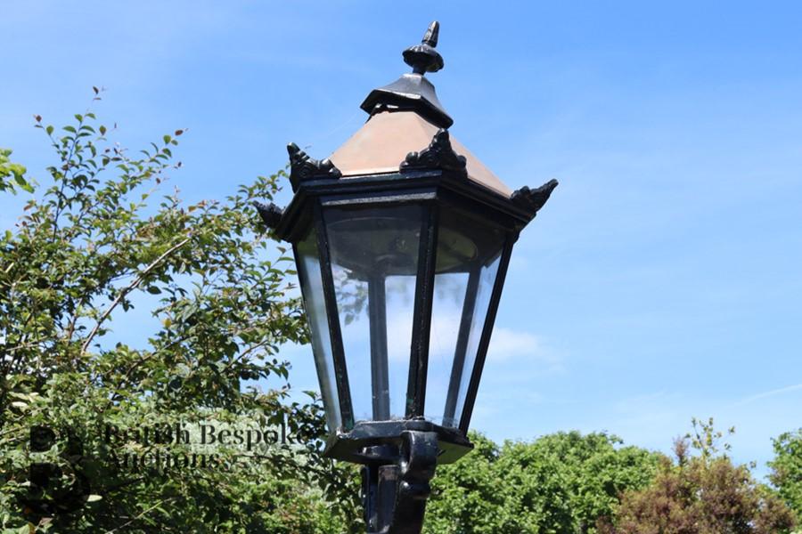 Victorian Cast Metal Street Light - Image 3 of 4