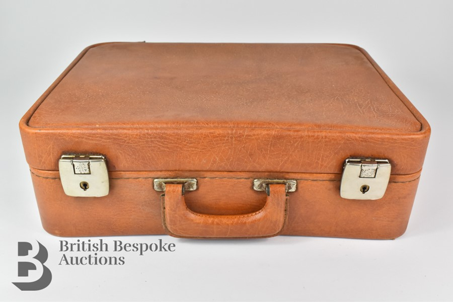 Classic Car Motoring and Travelling Vanity Suitcase - Image 4 of 4