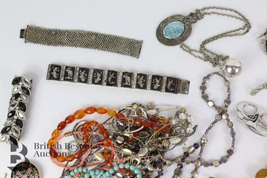 Quantity of Costume Jewellery - Image 5 of 6