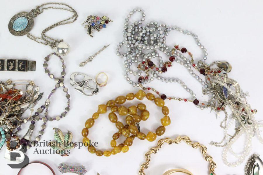 Quantity of Costume Jewellery - Image 2 of 6