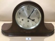 A JUNGHANS (WURTEMBURG B25) OAK CASED MANTLE CLOCK WITH A WESTMINSTER CHIME WITH A PRESENTATION