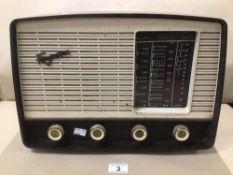 A FERGUSON BAKELITE VALVE RADIO