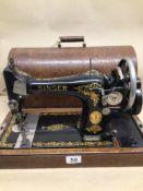 A VINTAGE HAND CRANK SEWING MACHINE BY SINGER (Y7672920), UK P&P £25