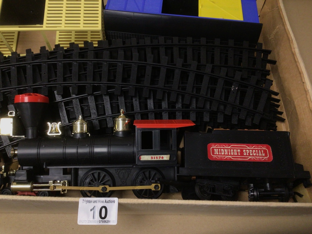 A BOXED TIMPO (THE MIDNIGHT SPECIAL) TRAIN SET - Image 3 of 6