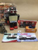 A MIXED QUANTITY OF TOYS INCLUDES A BOXED SATURN 13 INCH WALKING ROBOT, UK P&P £15